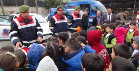 Silifke'de Öğrencilere Jandarma Tanıtıldı