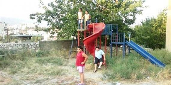 Silifke'deki Çocuk Parkı Bakım Bekliyor