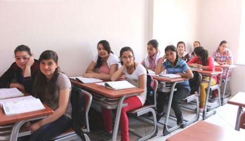 Sodes'le Muhtaç Öğrencilerin Yüzü Gülüyor