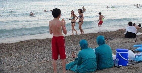 Suriyelilerin Deniz Keyfi