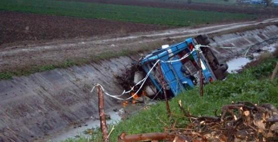 Tarım İşçilerini Taşıyan Minibüs Devrildi: 30 Yaralı