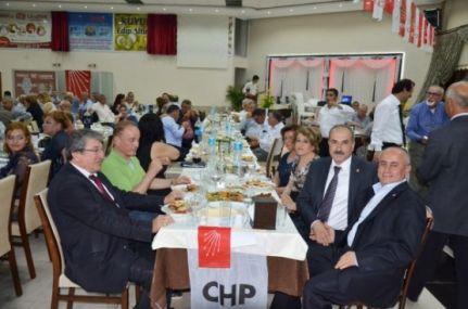 Tarsus CHP den Dayanışma Yemeği