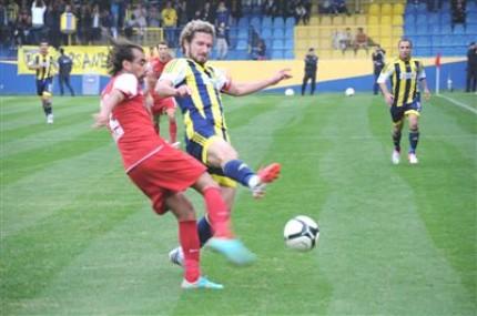 Tarsus İdmanyurdu Sahasında Pendikspor'u Yenmeyi Bildi