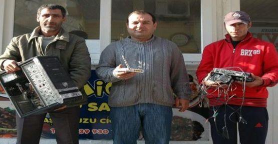 Tarsus İmanyurdu Taraftar Derneğine Hırsız Girdi.