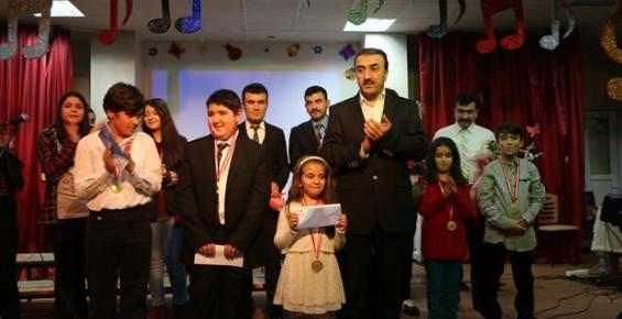 Tarsus'ta Düzenlenen Ses Yarışmasına Yoğun İlgi