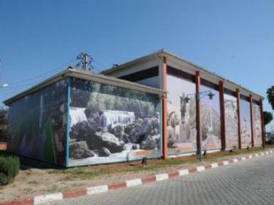 Tarsus'ta Elektrik Trafoları Tarihi Resimlerle Süslendi