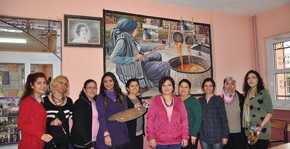 Tarsus'ta Kursiyerler Duvarlara Hayat Veriyor
