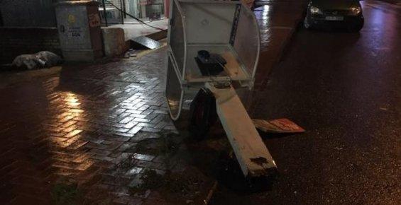 Tarsus'ta Şiddetli Fırtına ve Yağış