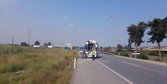 Tarsus'ta Test Sürüşü Yapan Araçlar Kafa Kafaya Çarpıştı.