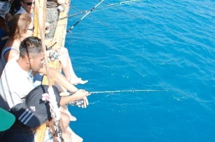 Taşucu'nda Olta Balıkçılığı Yarışması Yapıldı