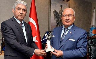 Mersin Büyükşehir Belediyesi'ne 'Toplu Taşımada Güvenilirlik Ödülü' Verildi