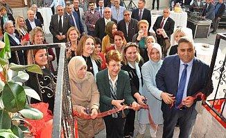Türk Kadınlar Birliği'ne Hizmet Binası
