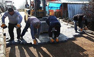 Engelli Vatandaşın Yoluna Erdemli Belediyesi Taş Döşedi