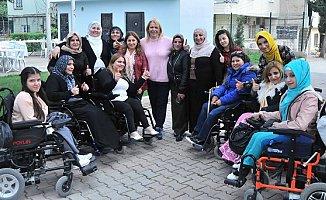 Saliha Adıcan'ı Engelli Dostları Yalnız Bırakmadı