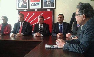 İstemihan Talay, CHP İl Yönetimini Ziyaret Etti.