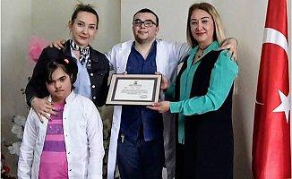 İlçe Sağlık Müdürü Kaleli Koltuğunu Özel Öğrencilere Bıraktı