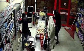 Önce Güvenlik Kamerasına Sonra Polise Yakalandılar