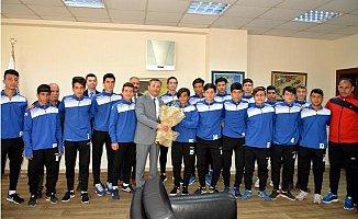 Akdeniz Belediye Spor U16 Futbol Takımı Mersin Şampiyonu