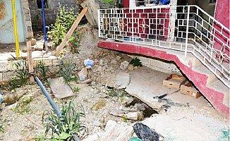 Mersin'de Gizemli Kazının Yapıldığı Alan Çöküyor