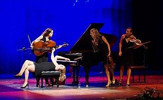 Mersin'de 'Salut Salon Quartet' Rüzgarı