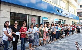 CHP'li Kadınlardan Muharrem İnce'ye Bağış