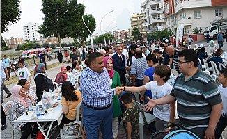 Tarsus'da 7 Bin Kişiye İftar Yemeği Verildi