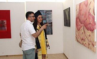 Güzel Sanatlar Öğrencilerinden 'Mezuniyet' Sergisi