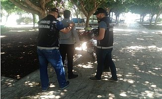 Mersin'de Narkotik Uygulamasında 5 Kişi Gözaltına Alındı