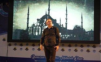 Sunay Akın, Mersin'de Ramazan Etkinliklerinin Konuğu Oldu