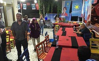 Tarsus'da İyi Parti'nin Toplantısına Gaz Bombalı Saldırı