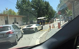 AKP'li Milletvekili TBMM'ye Lamborghini ile Geldi!