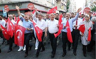 Mersin'de 15 Temmuz Yürüyüşü