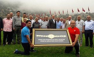 Adana'da Başpehlivanlık Ödülü 1 Kiloluk Altın Kemer