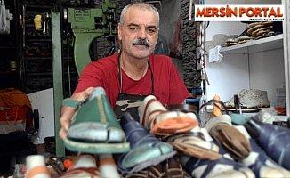 Mersinli 35 Yıllık Terlik Ustası Fabrikalara Direniyor