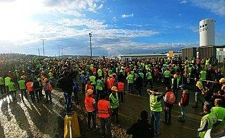 3. Havalimanı İşçileri Eylem Başlattı!
