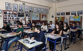 Liseler İçin Yeni Yaş Düzenlemesi