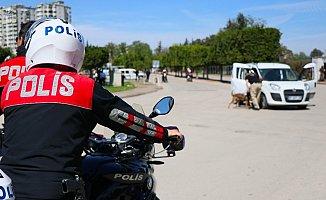 Motosikletli Timler Aranan 12 Kişiyi Yakaladı