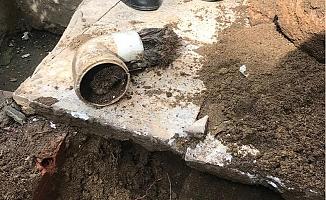 Atık Su Borusuna Sıkışan Yavru Kediyi İtfaiye Erleri Kurtardı