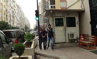 Mersin'de ATM'de Kopyaladıkları Kartlarla 52 Bin TL Vurgun Yaptılar