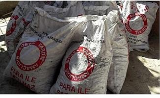 Mersin'de Uyanık Suriyeli Yardım Kömürlerini Sosyal Medyada Satışa Çıkardı