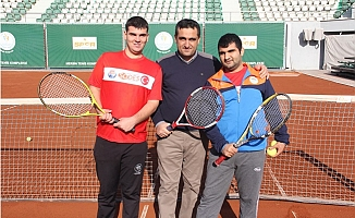 Mersin'de Özel Sporculara Tenis Etkinliği
