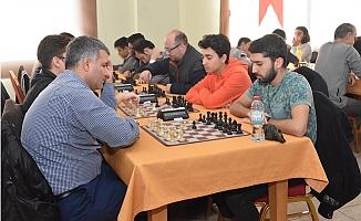 Tarsus'ta Satranç ve Briç Turnuvaları