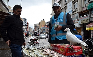 Tezgahına Bağladığı 'Talih Kuşu' Bilet Satışlarını Arttırdı