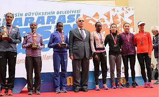 Uluslararası Mersin Maratonu'na Kenyalı Atletler Damga Vurdu