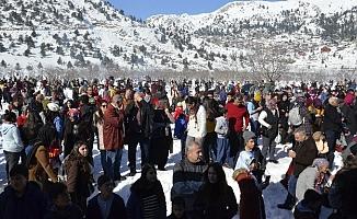 Adanalılar Kar Festivali için Kızıldağ Yaylası'na Aktı