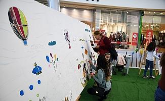 Bir Tablo Bin Fırça Projesi Mersinlileri Sanatla Buluşturuyor