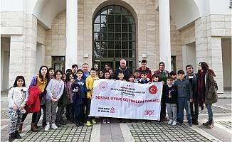Mersin'de Çocukların Sinema Keyfi