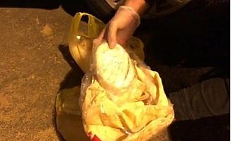 Mersin'de Tantuni Ekmek Arasında 1 Kilo 220 Gram Esrar Yakalandı