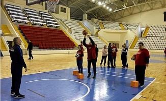 'Soğuk Zamanlarda Sıcak Salonlarımızda Spor Projesi' Mersin'de Başlıyor