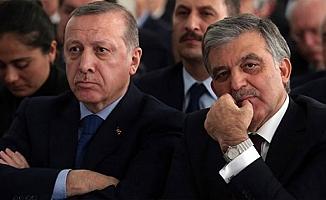 AK Parti İkiye Bölünüyor